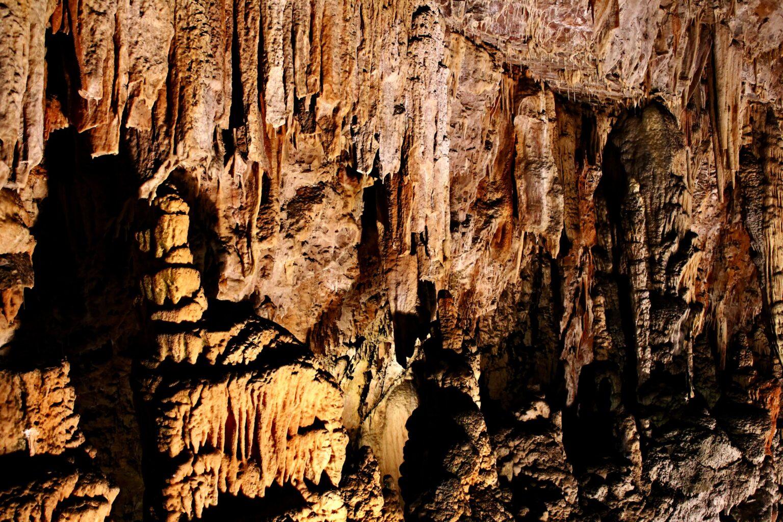 Grotta_gigante-1536x1024