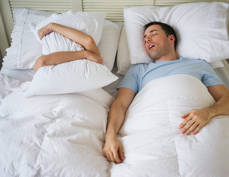 problemas-de-dormir-en-pareja-770x597